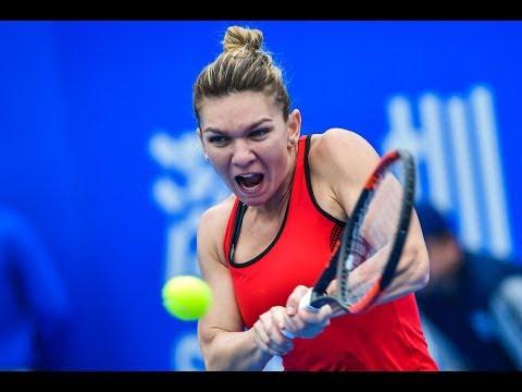 シモナ・ハレプのインスタ画像。胸を小さくする手術をしたテニス選手