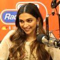 35051 120x120 - ディーピカー・パードゥコーンのインスタ画像。インドの美人女優