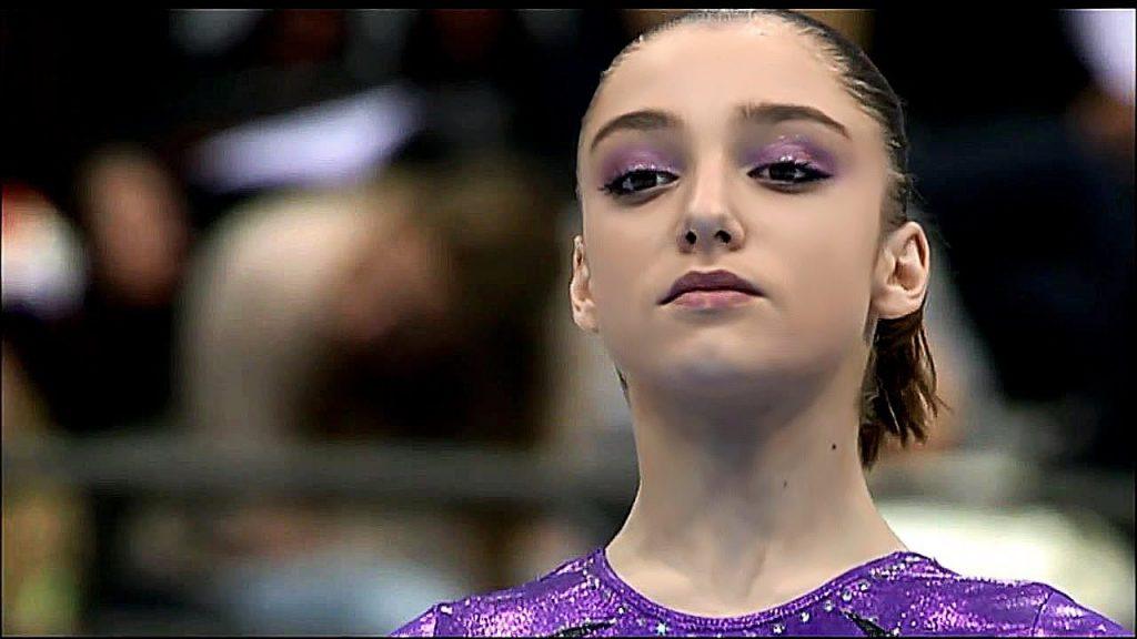 アリーヤ・ムスタフィナの画像がかわいい。ロシアの美人体操選手は結婚して子供も