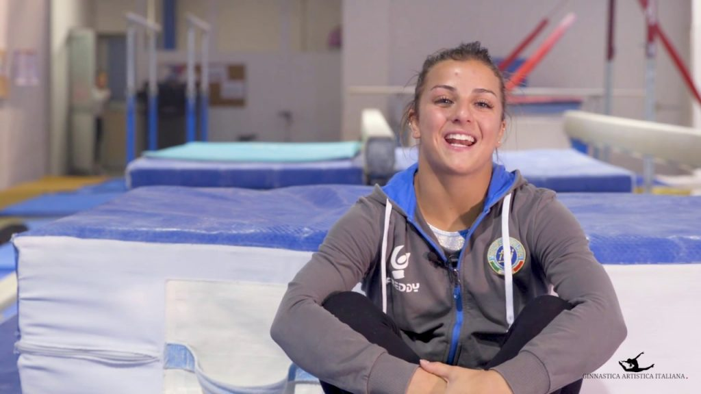 エリーザ・メネギーニの画像がかわいい。イタリアの美人体操選手