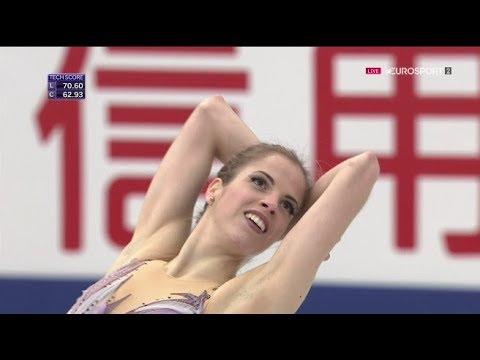 カロリーナ・コストナーのインスタ画像。イタリアの美人フィギュアスケート選手