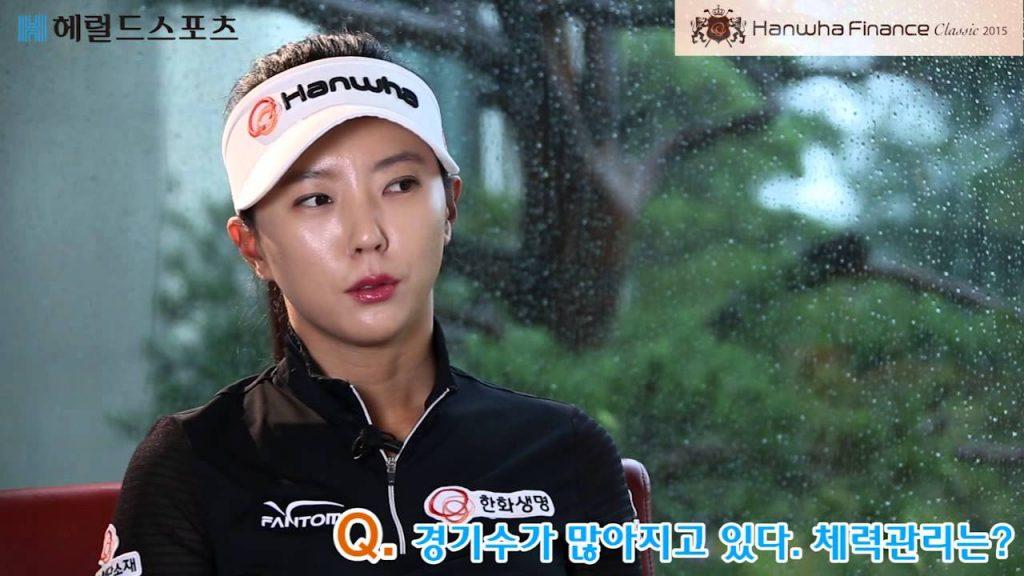 ユン・チェヨン(ゴルフ)の画像がかわいい。モデル体型で足も美脚ゴルファー