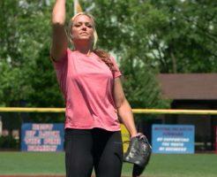 38733 246x200 - ジェニー・フィンチの画像。ソフトボールの美人投手で野球選手との対決も