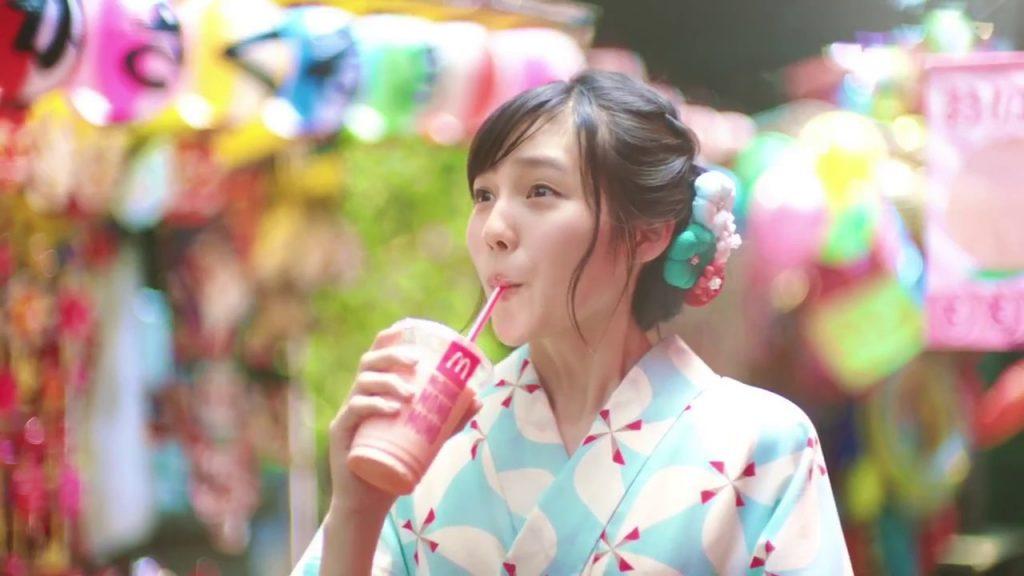 秋田汐梨の画像。マックシェイクのCMでかわいいと話題のニコモ
