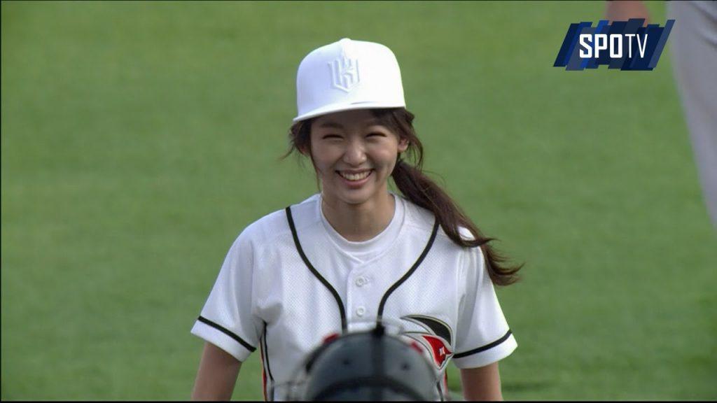 チン・ギジュのインスタ画像まとめ。韓国の美人女優。始球式も!