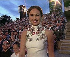 w 246x200 - アイダ・ガリフッリーナの画像。W杯開会式に登場する美人歌手