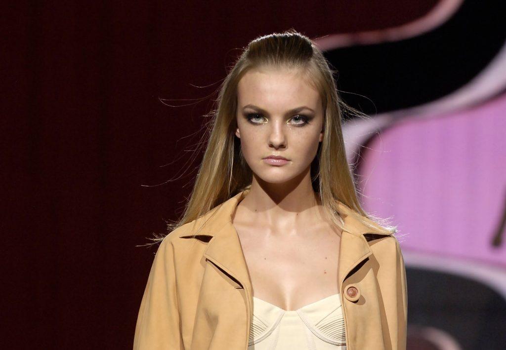 キャロライン・トレンティーニの画像。ブラジル出身の美人モデル